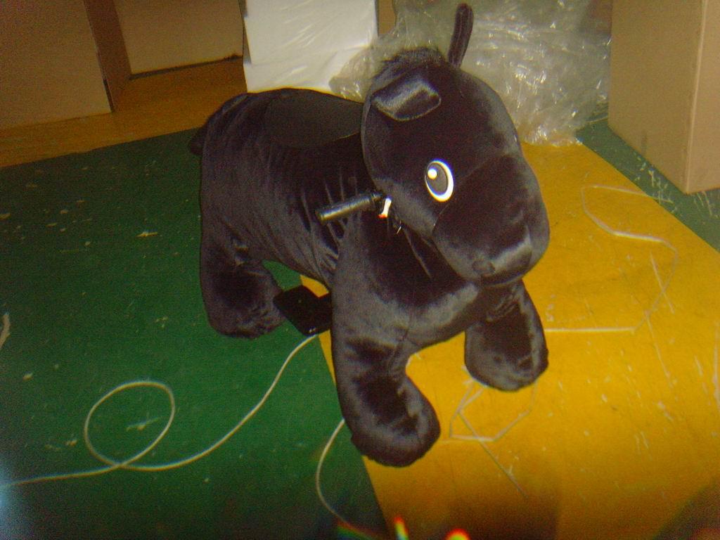 חיות ממונעות לילדים-סוס שחור